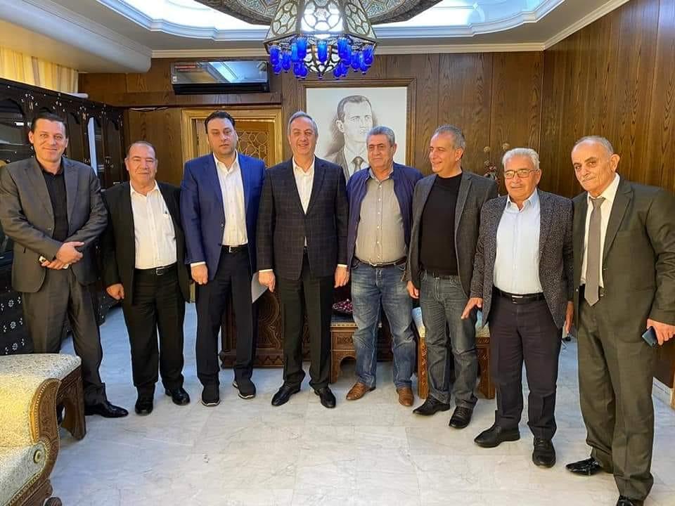 رجال أعمال يطلقون مبادرة لتقديم 200 ألف ربطة خبز يومياً وتوزيعها مجاناً في ريف دمشق