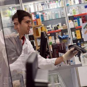 لاعب إسباني يبدأ العمل داخل صيدلية لمواجهة كو ر ونا