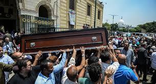 فنان مصري يفتح مقابر أسرته لضحايا كو ر ونا من الأطباء