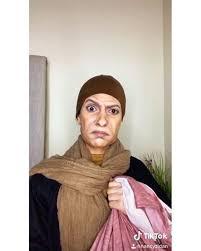 فتاة تتحوّل إلى نسخة من عادل إمام..
