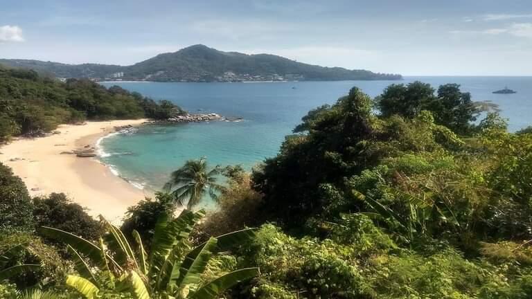 """تايلاند تنوي فرض ضريبة """"كو ر ونا"""" على السياح الأجانب"""