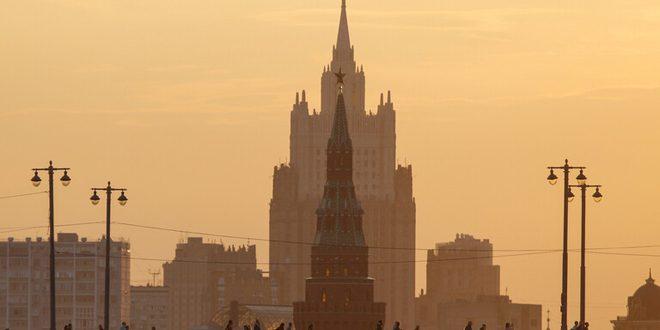 """موسكو تندد بمحاولات واشنطن تحطيم """"الصحة العالمية"""": نرفض تحويل المنظمة منصة لتصفية الحسابات السياسية"""