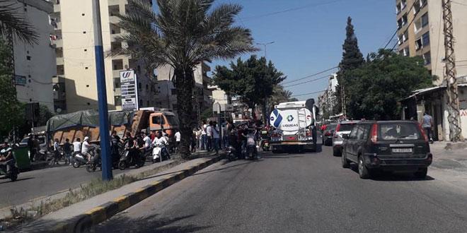 الجمارك اللبنانية تعلن تعرض شاحنات تنقل مساعدات أممية إلى سورية لإشكالات ببعض المناطق اللبنانية