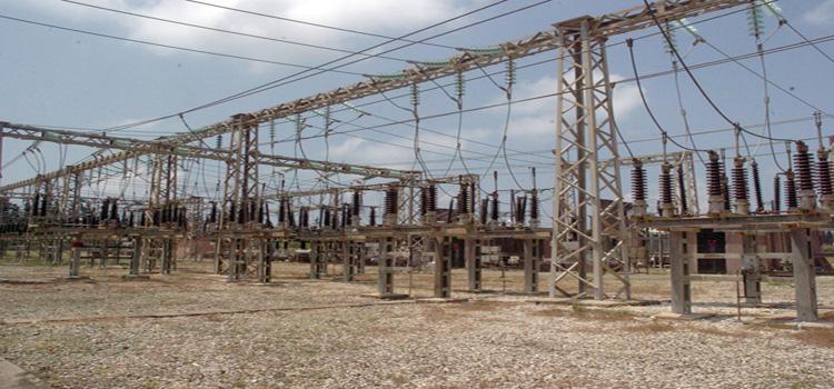 """الانقطاعات الكهربائية ازدادت في الامتحانات.. وكهرباء ريف دمشق: """"هلأ أرحم من الشتي"""""""