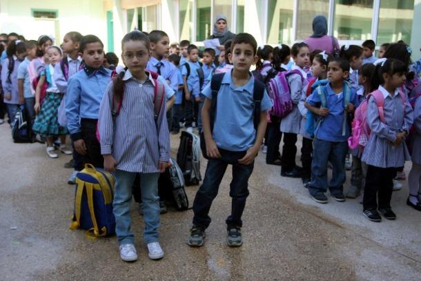 إلى الخائفين من بدء العام الدراسي الجديد .. مديرة الصحة المدرسية تشرح الإجراءات المتخذة من قبل التربية