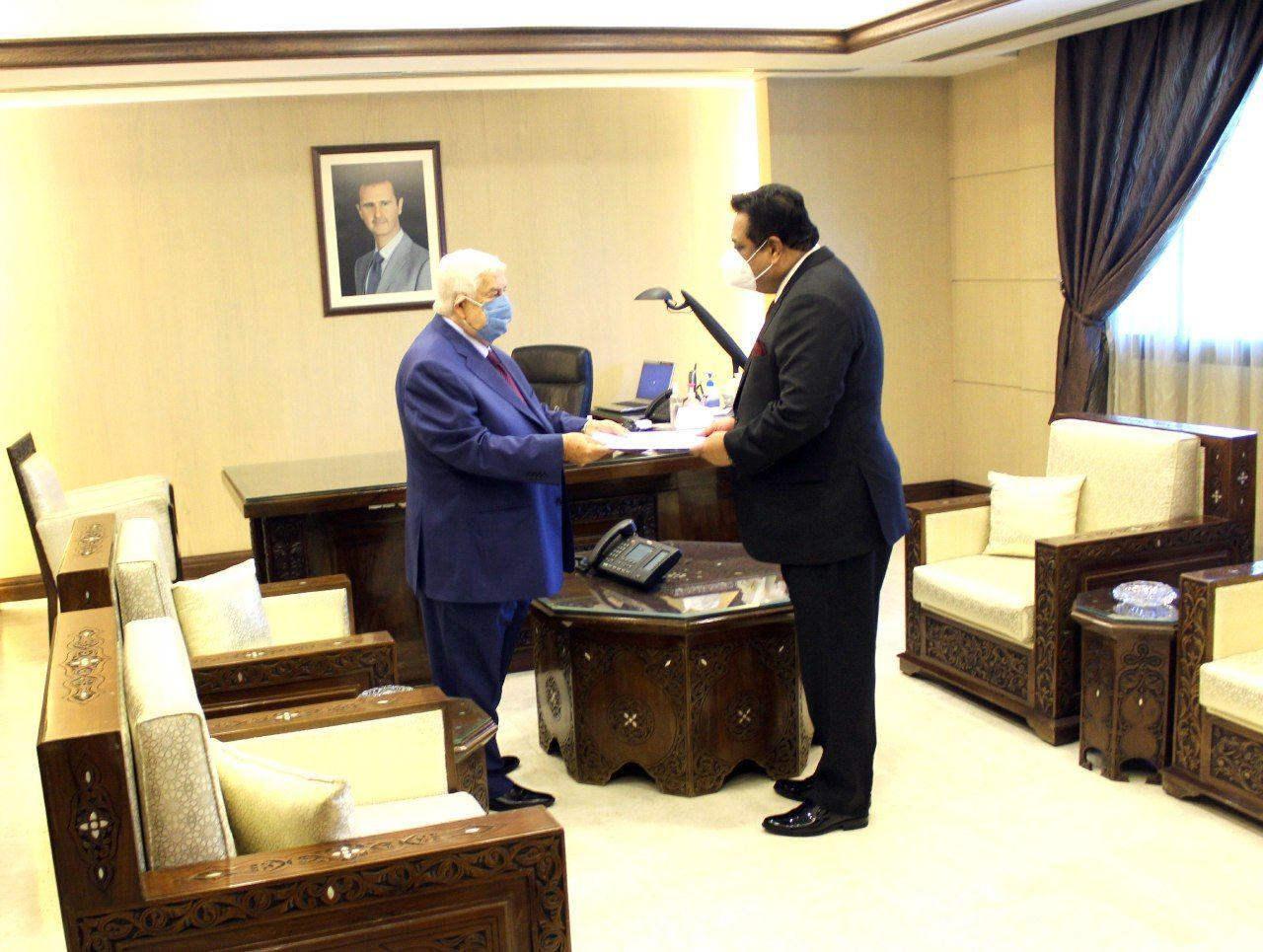 وزير الخارجية يتسلم اوراق اعتماد سفير جمهورية باكستان الإسلامية لدى الجمهورية العربية السورية.