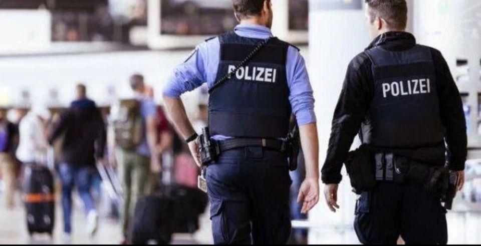 لاجئون عراقيون يهبطون بطائرة دبلوماسية مزيفة في ألمانيا .. والمهرب سوري