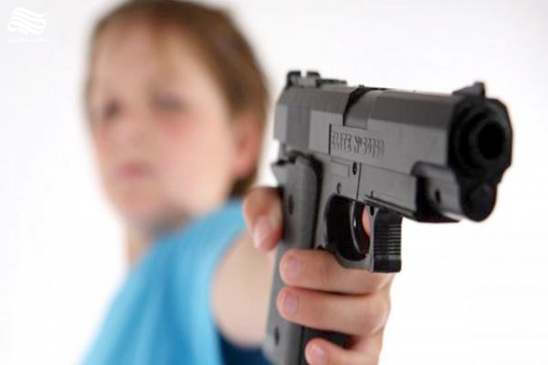 طفل يقتل نفسه بالخطأ في عيد ميلاده
