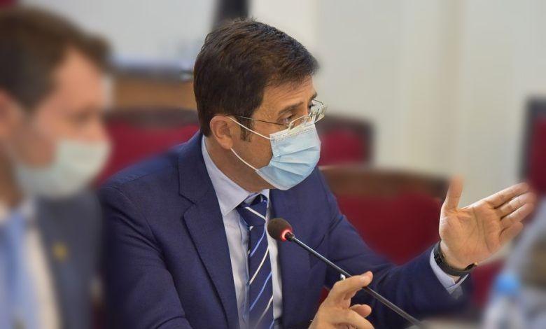 وزير الصحة: الإصابات بكو**رونا بازدياد ولا قرار بالإغلاق الجزئي حتى الآن