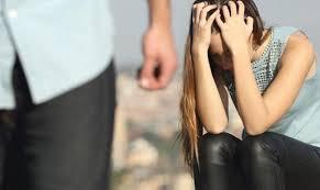 طلق زوجته من دون علمها وعاش معها 14 عاماً