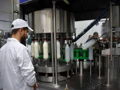 انخفاض سعر الحليب لدى المربين 20 بالمئة.. جمعية الأجبان: على الباعة خفض الأسعار للمواطن