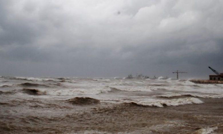 بسبب الأحوال الجوية.. إغلاق موانئ طرطوس واللاذقية ومصب النفط في بانياس