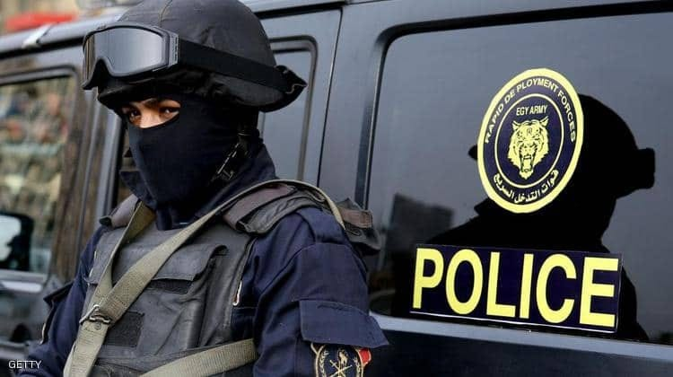 مواطن مصري ينتحل صفة ضابط لـ 32 عاماً