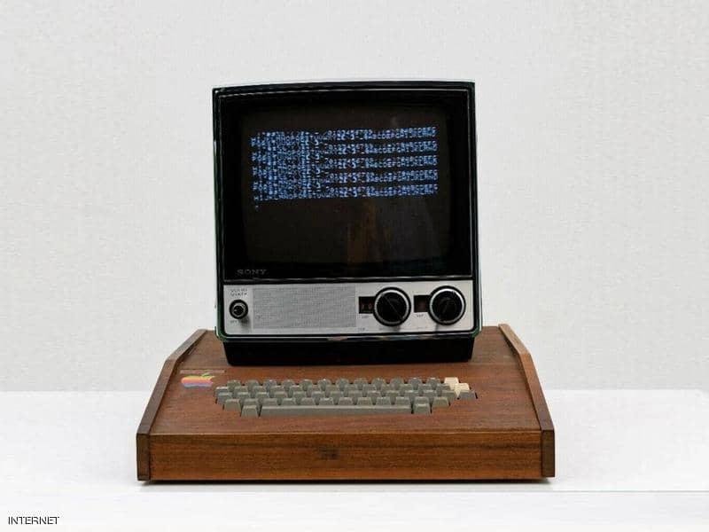 """عرض كومبيوتر """"أبل"""" الخشبي للبيع بـ1.5 مليون دولار"""