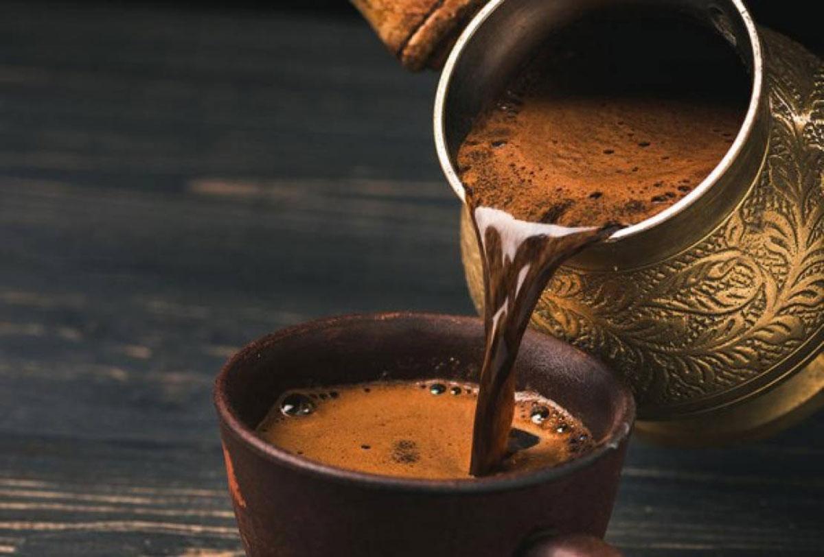 القهوة تنضم إلى لوائح تقنين المواد الغذائية بسبب ارتفاع أسعارها
