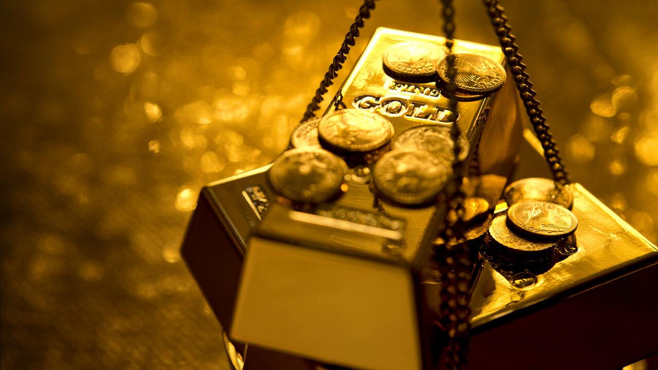 لماذا لم يتراجع الذهب مع انخفاض الدولار؟