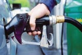 مخصصات المواطنين من البنزين ستعود إلى ٤٠ ليترا أسبوعيا عند توفر الكميات.