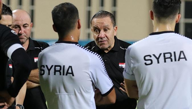 نبيل معلول يطالب لاعبي منتخب سوريا بالالتزام