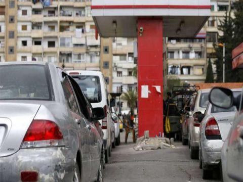 وزارة النفط تلغي قرار المجموعات في توزيع رسائل البنزين