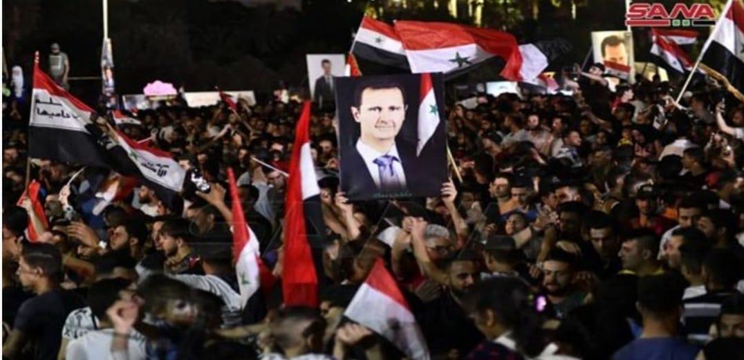 مجلة ألمانية: المشاركة الواسعة بالانتخابات الرئاسية في سورية ومشاهد الفرح بعدها كشفت كذب الغرب