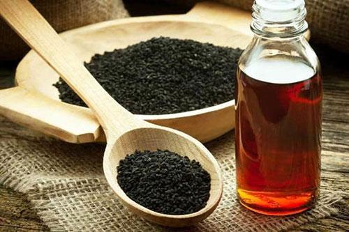 الحبة السوداء مع العسل ...أداة علاجية قيّمة
