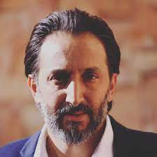 """أحمد الأحمد عاتب على الصحافة ... مسيرتي المهنية التي قاربت العشرين عاماً وما زلت أمضي في الطريق ولم أصل بعد"""""""