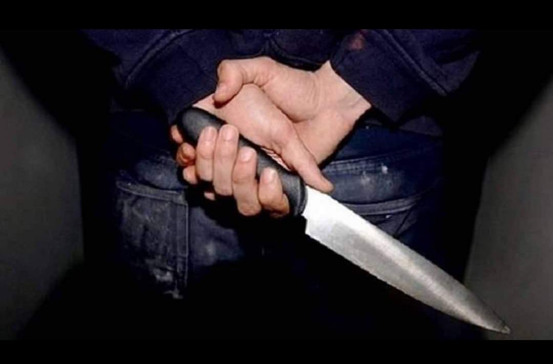 استعان بقاتل مأجور لقتل والدته
