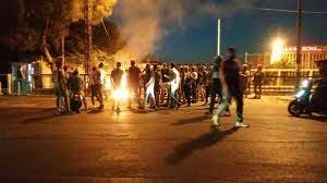 احتجاجات وقطع للطرقات في لبنان احتجاجاً على تردّي الأوضاع المعيشية