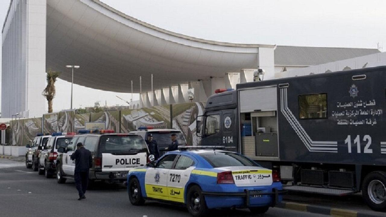 في الكويت : القبض على السوري قاتل أمه وشرطي المرور في جريمة نكراء