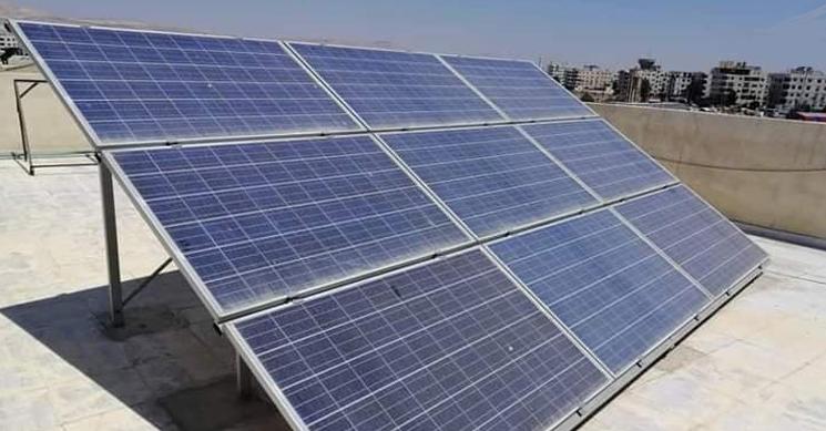 """عمرها الافتراضي 25 عام.. سوق الطاقة الشمسية يشتعل """"إنارة منزل قد تكلف 11 مليون""""!"""