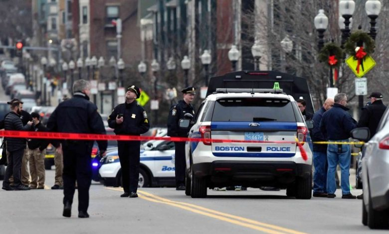 الشرطة الأمريكية توقف سيارة مسرعة.. وفي صندوقها كانت الصدمة
