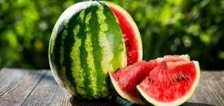 علامات في البطيخ تجعله خطراً على الصحة العامة والسبب طريقة الزراعة !
