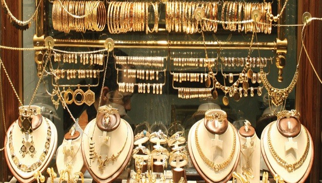 سعر غرام الذهب يسجل انخفاض في الأسواق السورية.. إليكم نشرة بالأسعار