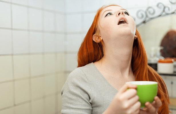 """أمراض شائعة يمكن علاجها عن طريق """"الغرغرة"""" بالماء المالح"""